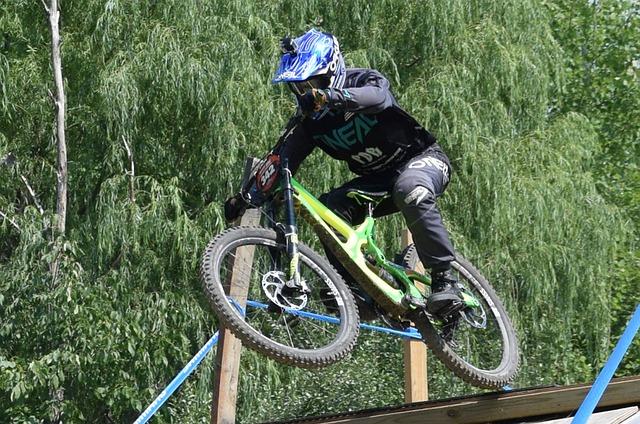 biker-3803756_640.jpg